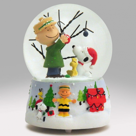 A Christmas Snow.Charlie Brown S Christmas Snow Globe